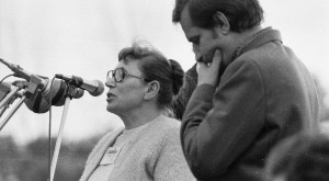anna walentynowicz i lech walesa podczas strajku w Stoczni Gdanskiej