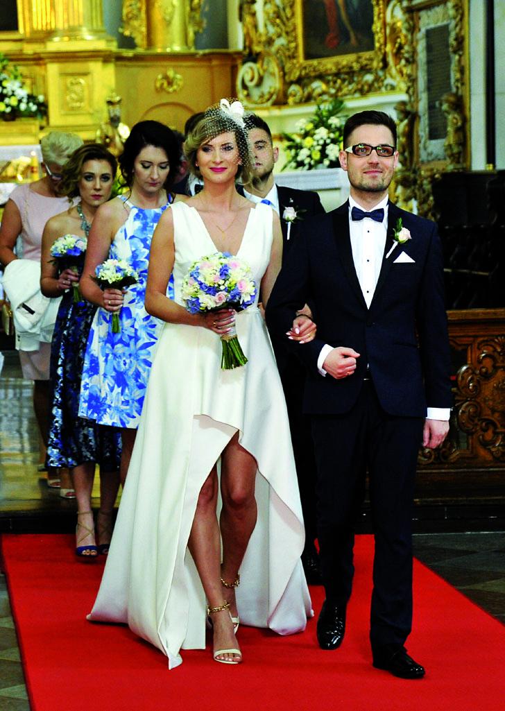 26.05.2016 roku, o godzinie 15.00, w pułtuskiej Bazylice związek małżeński zawarli Klaudia Ogrodnik i Maciej Mosakowski